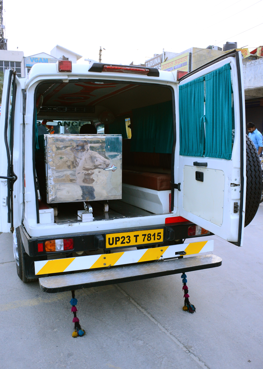 Freezer Ambulance Delhi